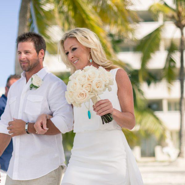 EboniRobyn-Wedding-BittlesGarrison-Melia-Nassau-31