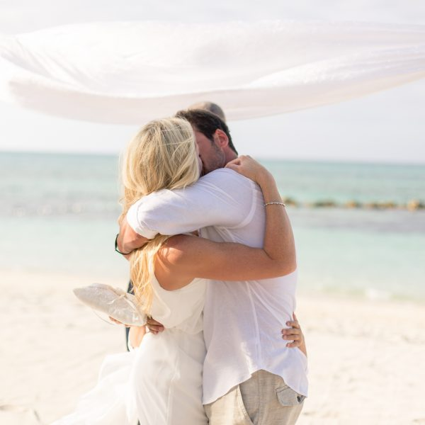 EboniRobyn-Wedding-BittlesGarrison-Melia-Nassau-69