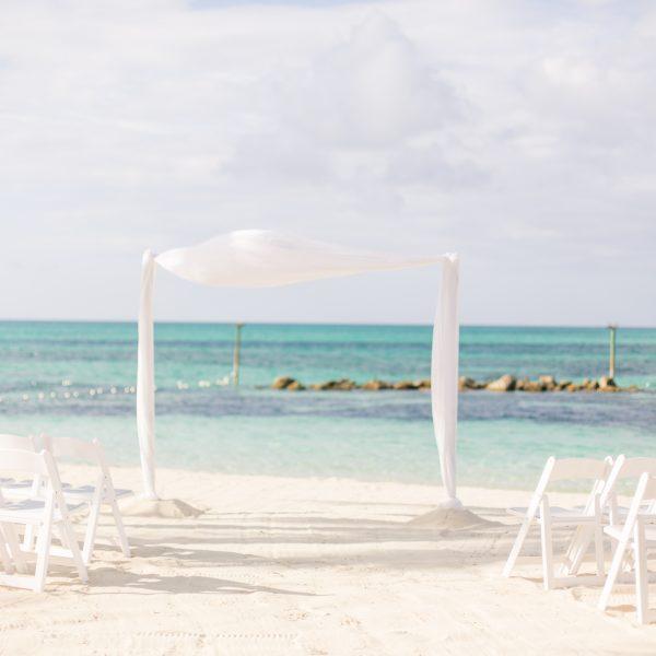 EboniRobyn-Wedding-BittlesGarrison-Melia-Nassau-7