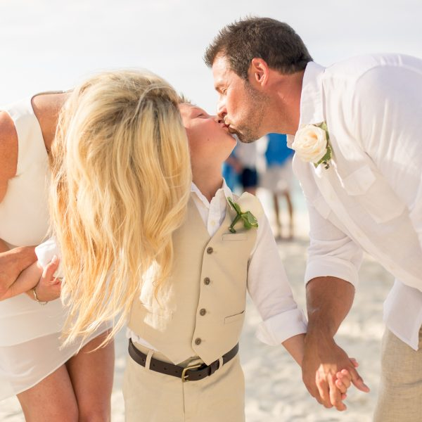EboniRobyn-Wedding-BittlesGarrison-Melia-Nassau-76